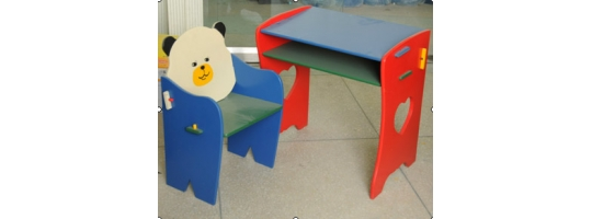 Galdi un krēsli