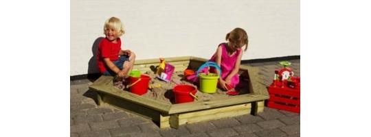 Bērnu rotaļām pagalmā